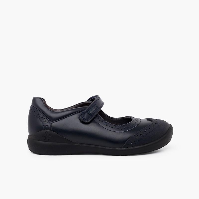 Sapatos colegiais Biomecanics menina com picotado