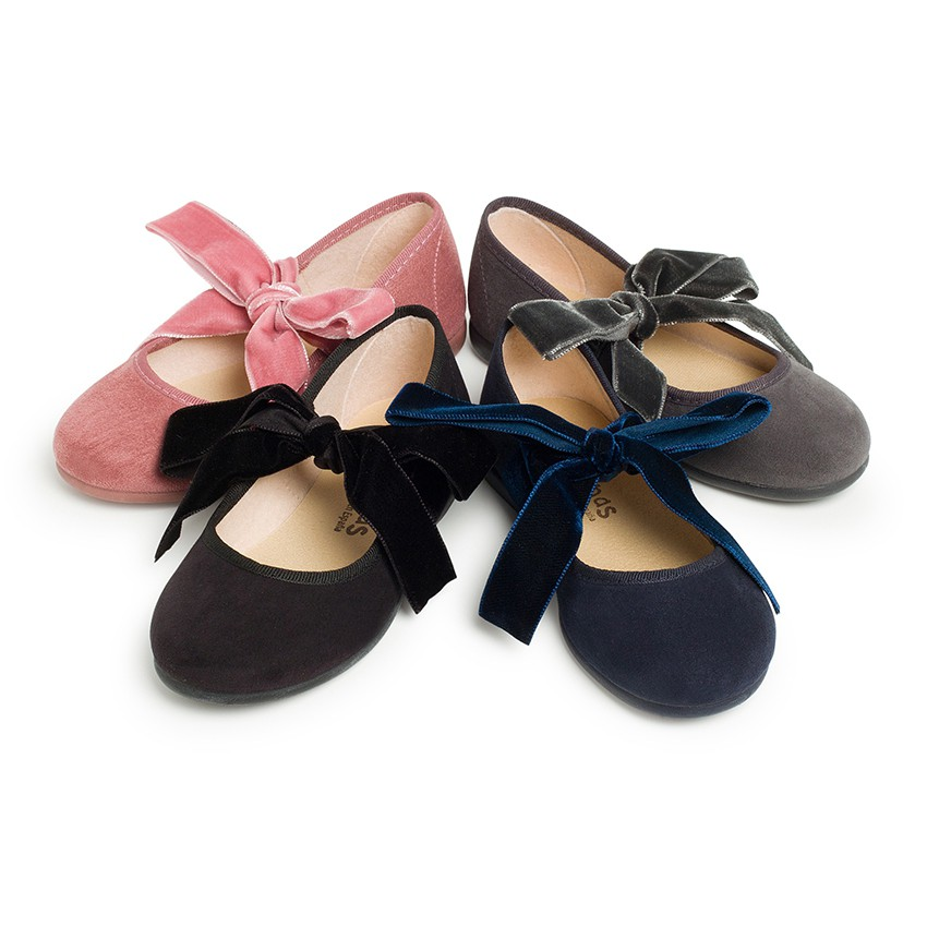 Sapatos Merceditas com Laço de Veludo