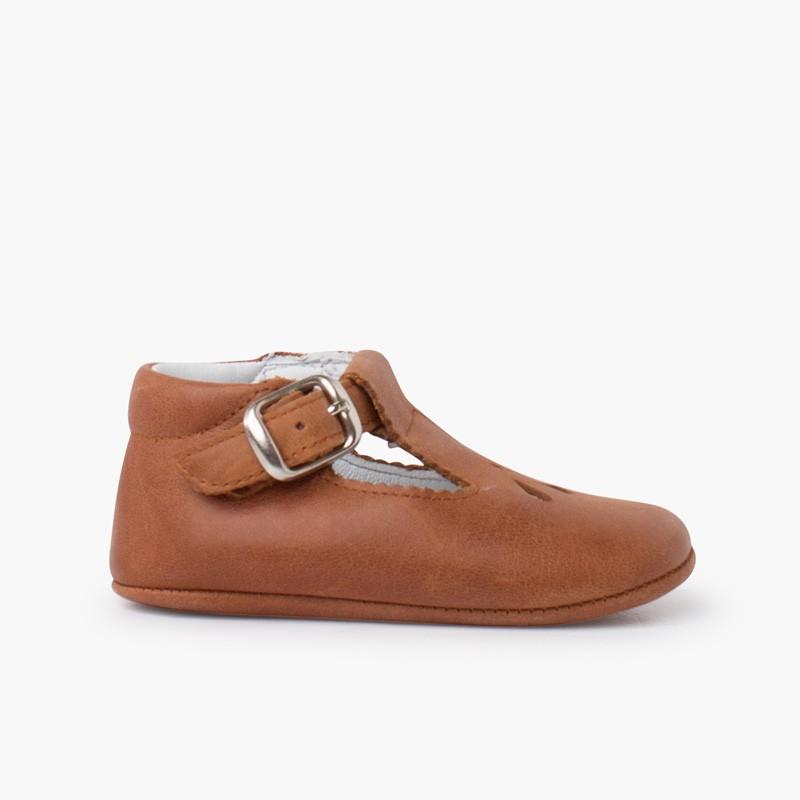 Sapatos bebé pepito pele detalhe perfurado