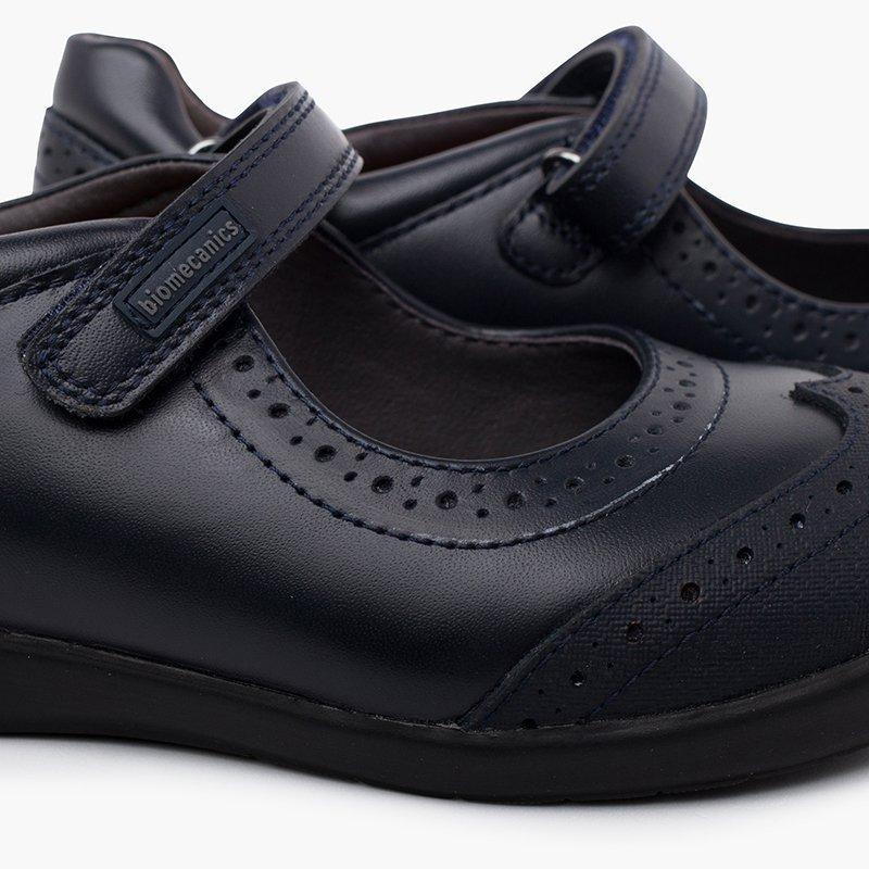Sapatos escolares com estilo!