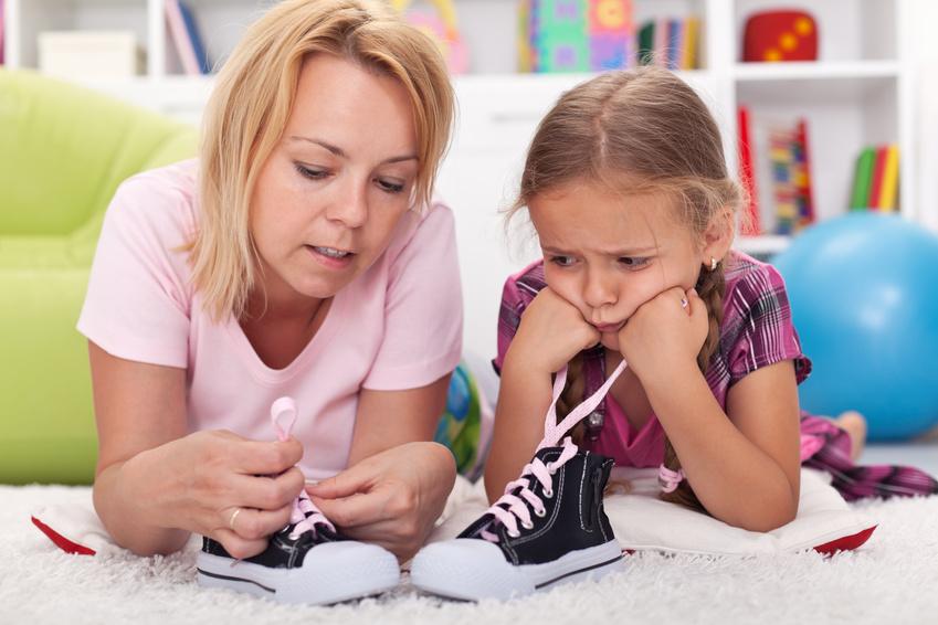 Aprender a apertar os sapatos com a Pisamonas