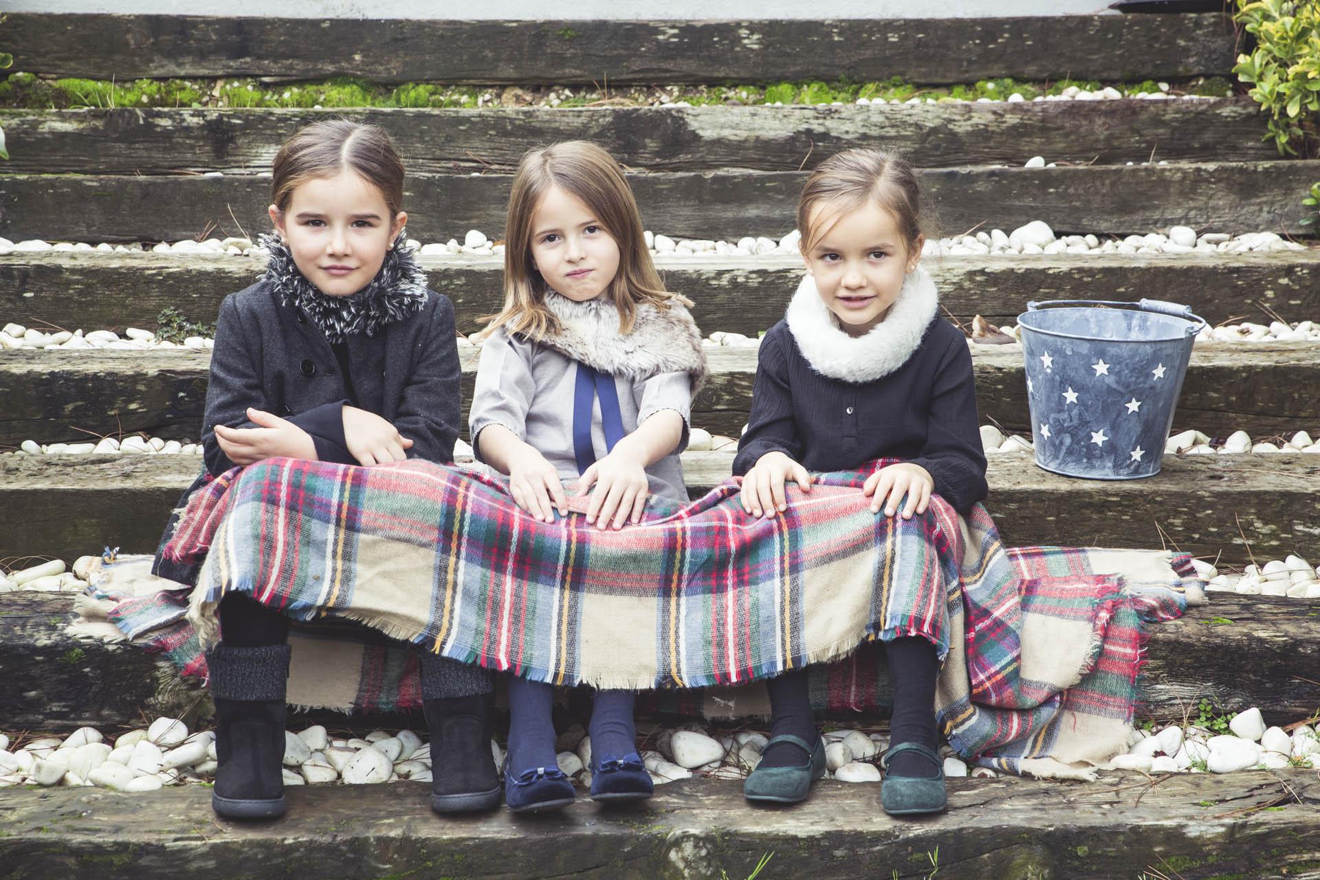 As suas filhas elegantes com a Pisamonas