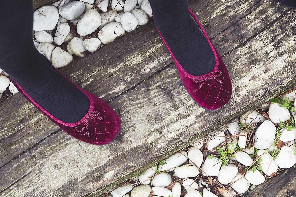 Como limpar sapatos de veludo