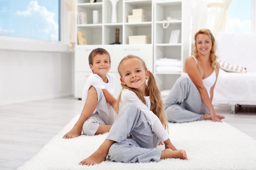 Yoga para pais, mães e filhos
